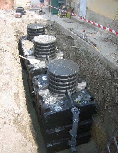 Pose de la fosse toutes eaux COMPACTO® 4-ST2 renforcée